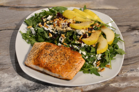 1604_Salad-with-salmon