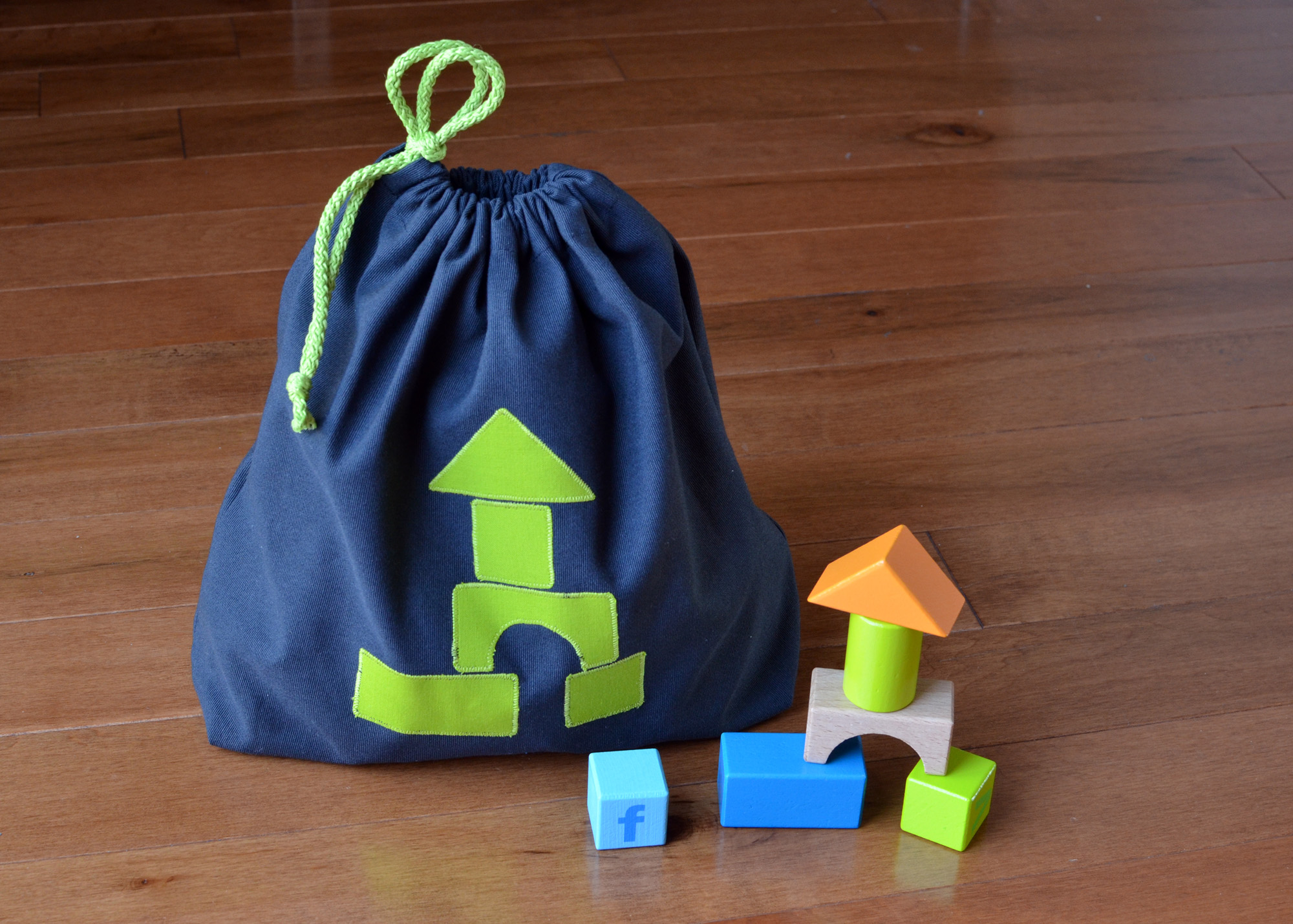1702_Toy-bags_01