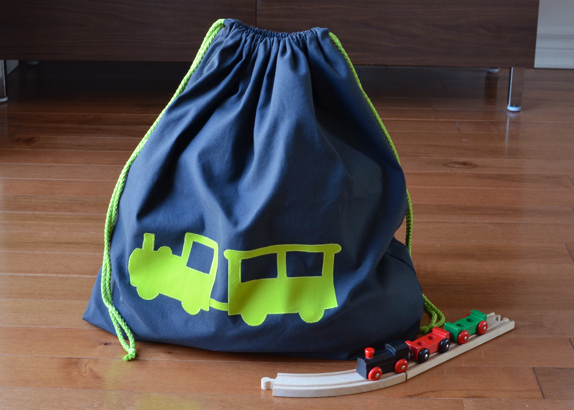 1702_Toy-bags_02