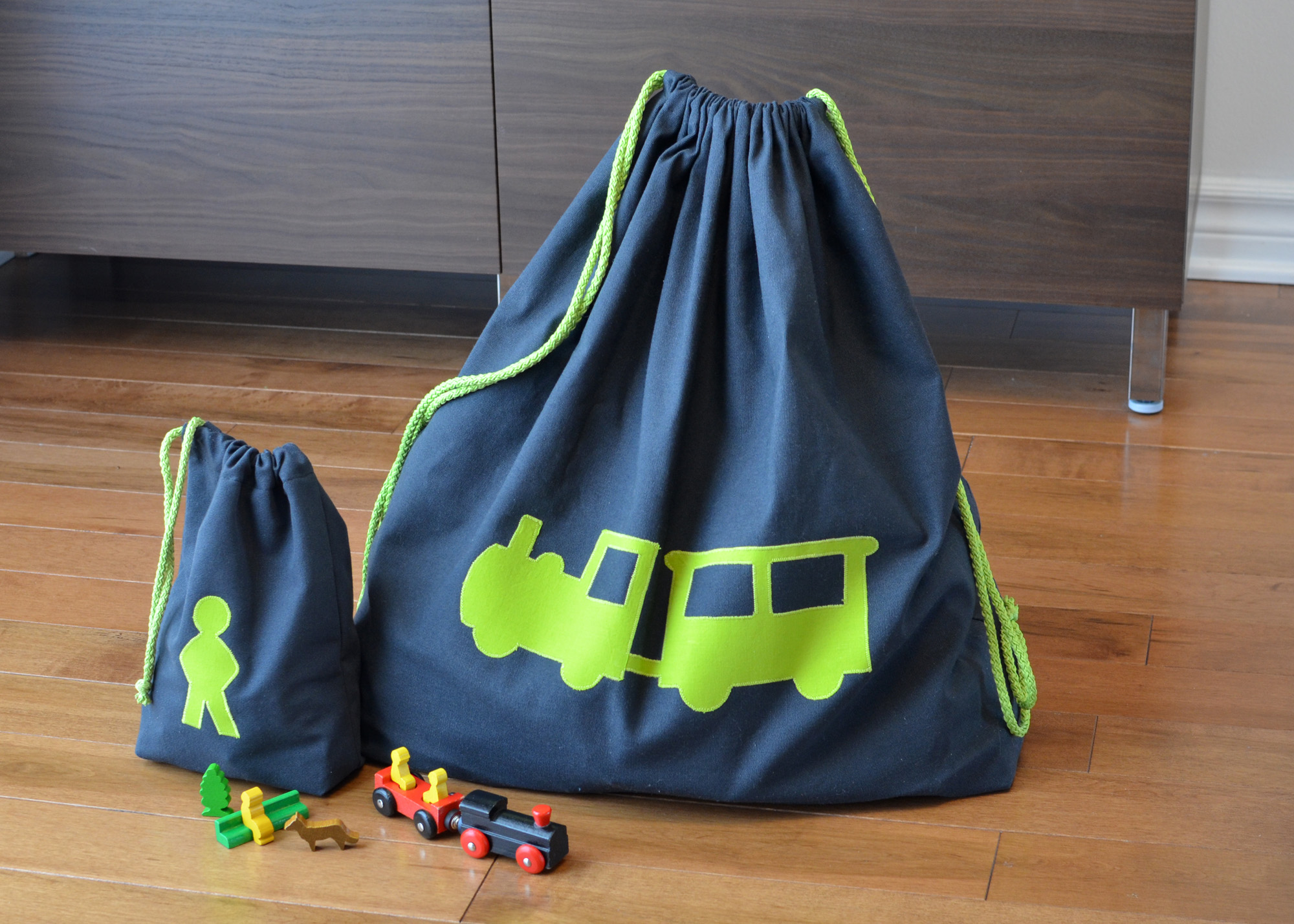 1703_Toy-bags_03